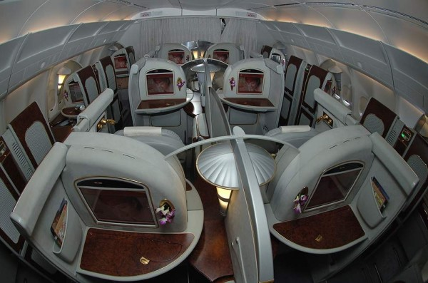 Plan de cabine emirates boeing b777 200 three class for Interieur 777 300