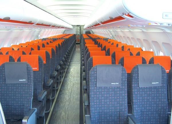 Plan de cabine easyjet airbus a319 for Interieur avion easyjet