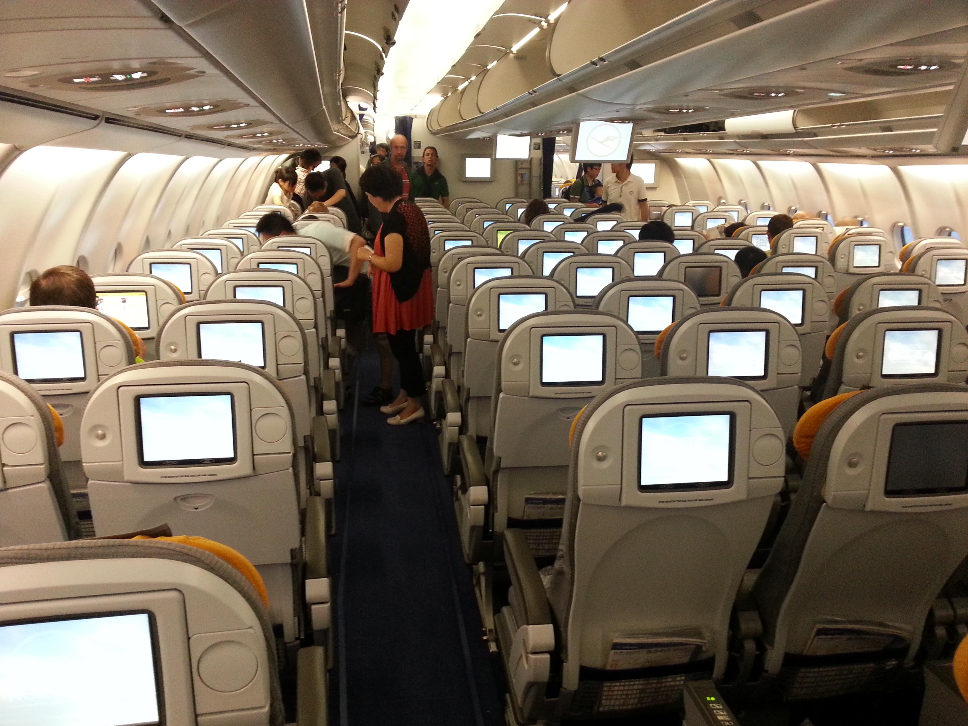 plan de cabine lufthansa airbus a340 600 297pax